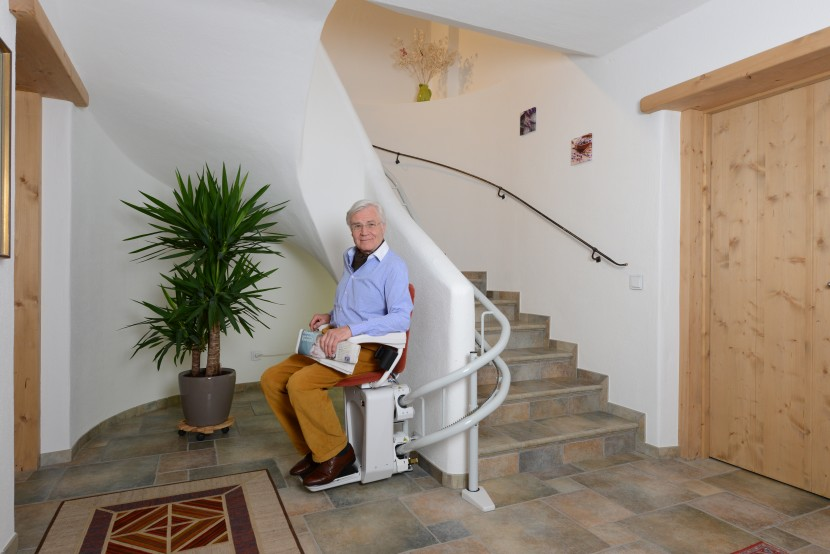 Alpha chair stairlift HQ (5).JPG